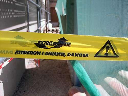 L'amiante utilisé pour l'isolation des bâtiments produit des fibres qui peuvent provoquer une pneumoconiose. © _boris CC by-nc-sa 2.0