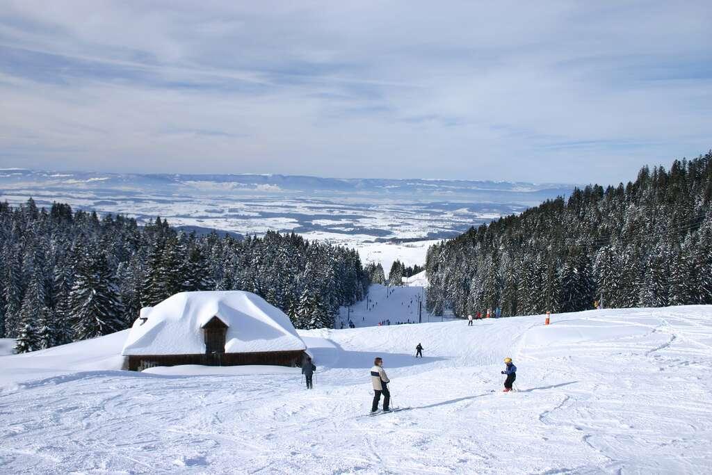 Les stations de ski en Suisse sont, contrairement à l'image que l'on peut avoir du pays, tout à fait abordables. © Pierre Schwaller (lyoba.ch), Flickr, cc by sa 2.0