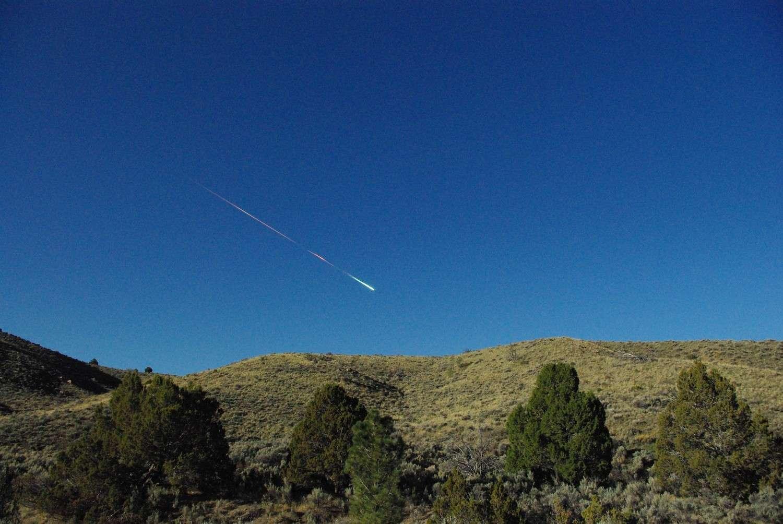Image du bolide qui s'est désintégré dans le ciel californien le 22 avril au matin. © Lisa Warren