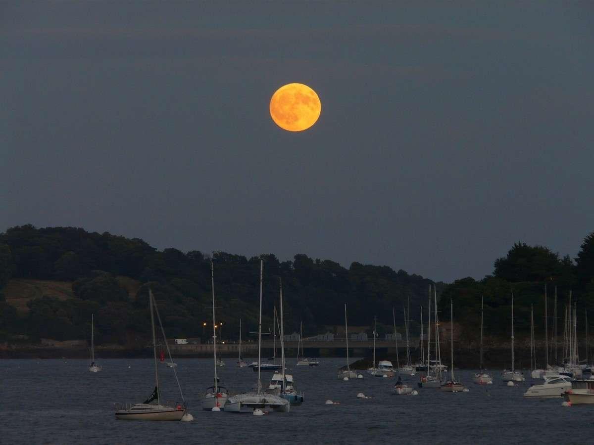 Alors que son exploration reprend de plus belle, la Lune reste une source d'émerveillement. © J.-B. Feldmann