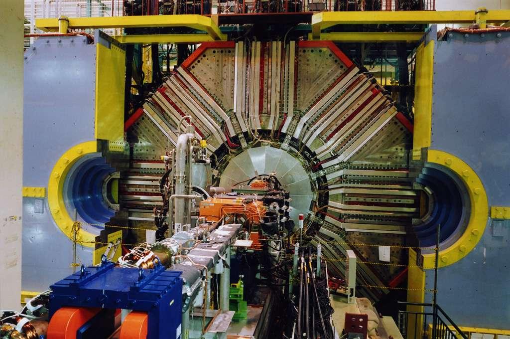 Une vue du détecteur de particules Belle. © Tokio Ohska