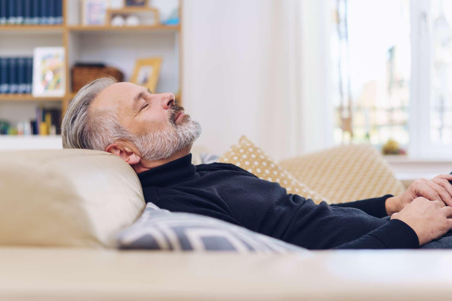 Dormir en pleine journée pourrait être mauvais pour le cerveau. © Contrastwerkstatt, Adobe Stock