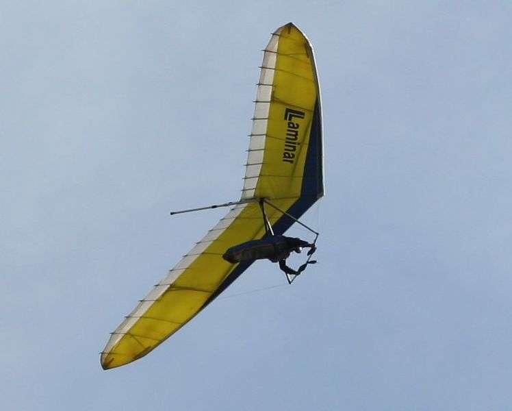 Le bureau d'étude de l'ingénieur Francis Rogallo invente la toile delta, à la base du deltaplane, un instrument de vol libre équipé d'une toile triangulaire et d'une structure en métal. © David Corby, CC BY-SA 3.0, Wikimédia Commons