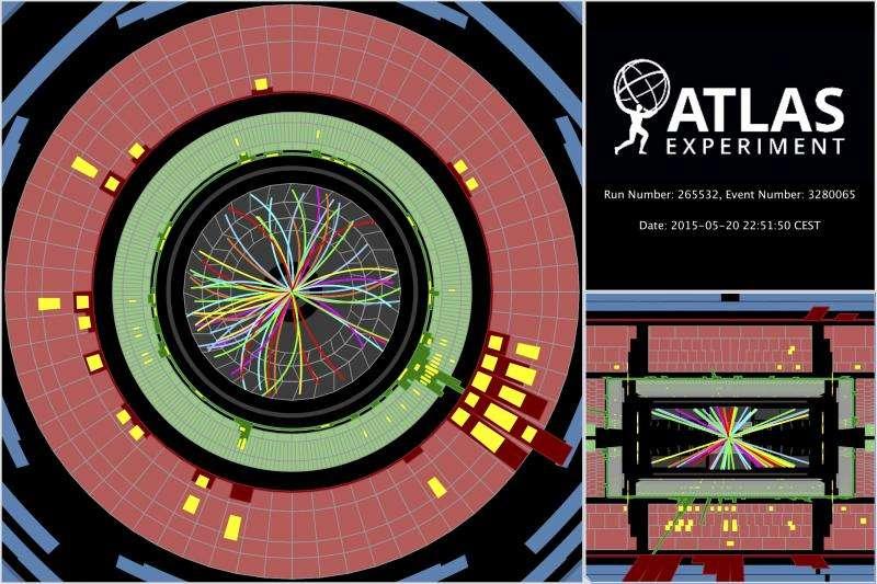Avec le LHC, les physiciens explorent les mystères de l'infiniment petit mais aussi ceux de l'infiniment grand. En effet, le Grand collisionneur de hadrons découvrira peut-être des particules de matière noire. On voit ici des collisions à 13 TeV dans le détecteur Atlas du LHC avec les trajectoires des particules produites courbées par un champ magnétique. Un nouveau record en énergie a été atteint. © Cern