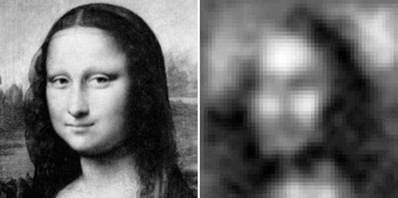 Sur la gauche une image de Mona Lisa et sur la droite la même, observée par le Planar Fourier Capture Array (PFCA). © Molnar lab.