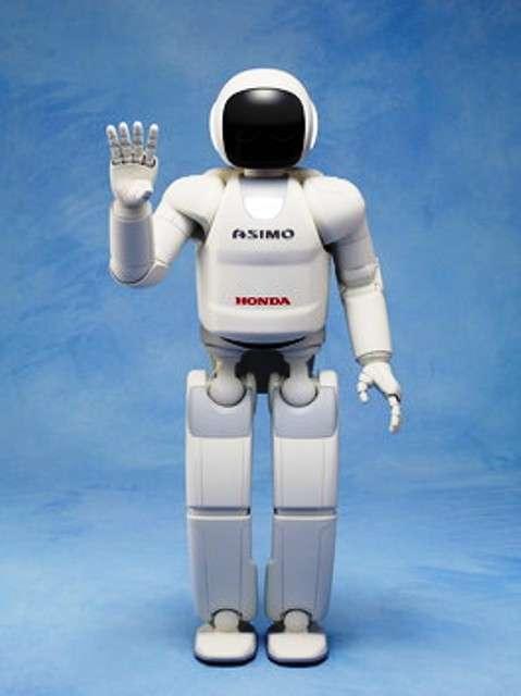 La dernière version du petit robot de Honda, Asimo, vous salue en 2011. © Honda
