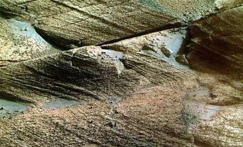 Roches martiennes photographiées en gros plan par Opportunity en mai 2008. Crédit Nasa