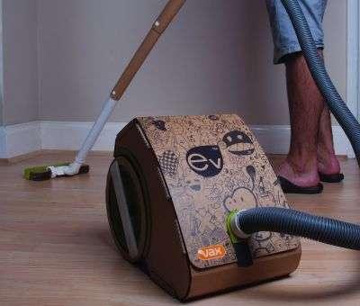 L'aspirateur en carton sera peut-être commercialisé en édition limitée. © Vax