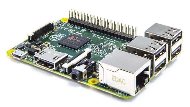 Le nouveau Raspberry Pi 2 Model B embarque un processeur ARM quadruple cœur et 1 Go de mémoire vive. Pour le reste, il est identique à la version précédente, ce qui assure une totale compatibilité avec tous les outils logiciels existants. © Raspberry