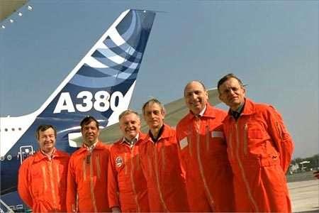 De gauche à droite: G. Desbois, F. Alonso, M. Birnfeld, J. Joye, C. Lelaie, J. Rosay. © Airbus