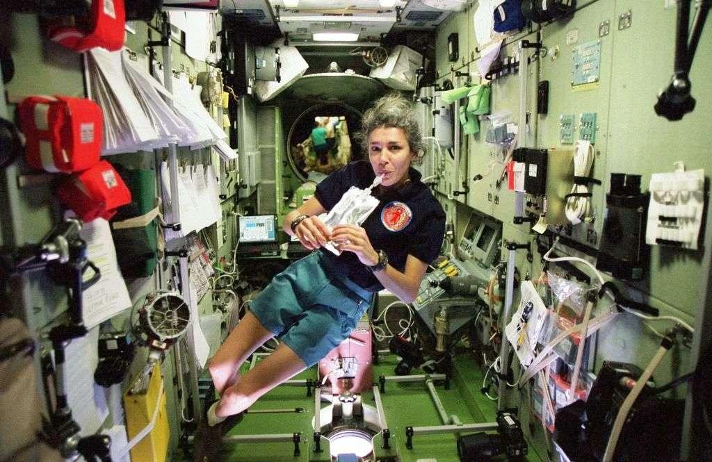 Claudie Haigneré, née en 1957, a séjourné à bord de l'ISS. Elle a été la première femme française dans l'espace. La spationaute est aussi la marraine de Futura-Sciences. © Esa