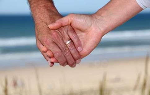 Aujourd'hui, un homme infecté par le Sida vit en moyenne jusqu'à 60 ans, pour les femmes l'espérance de vie est de 70 ans. © Phovoir
