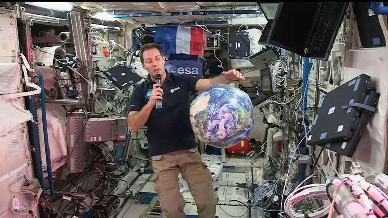 Thomas Pesquet livre ses premières impressions à bord de l'ISS