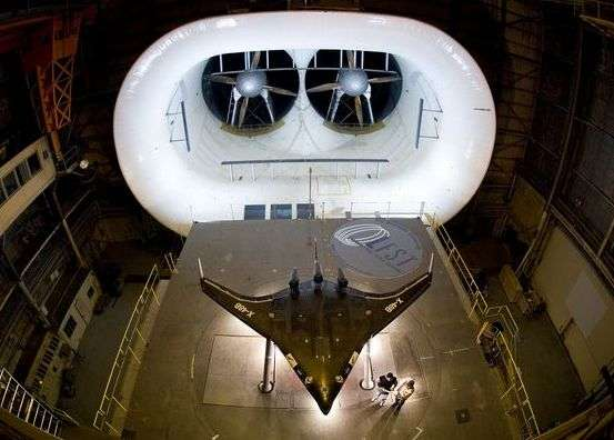 Le X-48B au cours de tests en soufflerie au Dryden Flight Research Center de la Nasa. Crédit Nasa