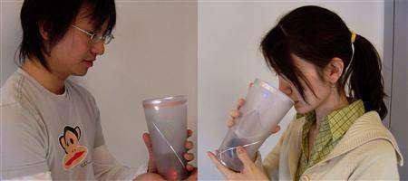 Prototypes des gobelets sans fil pour amoureux...