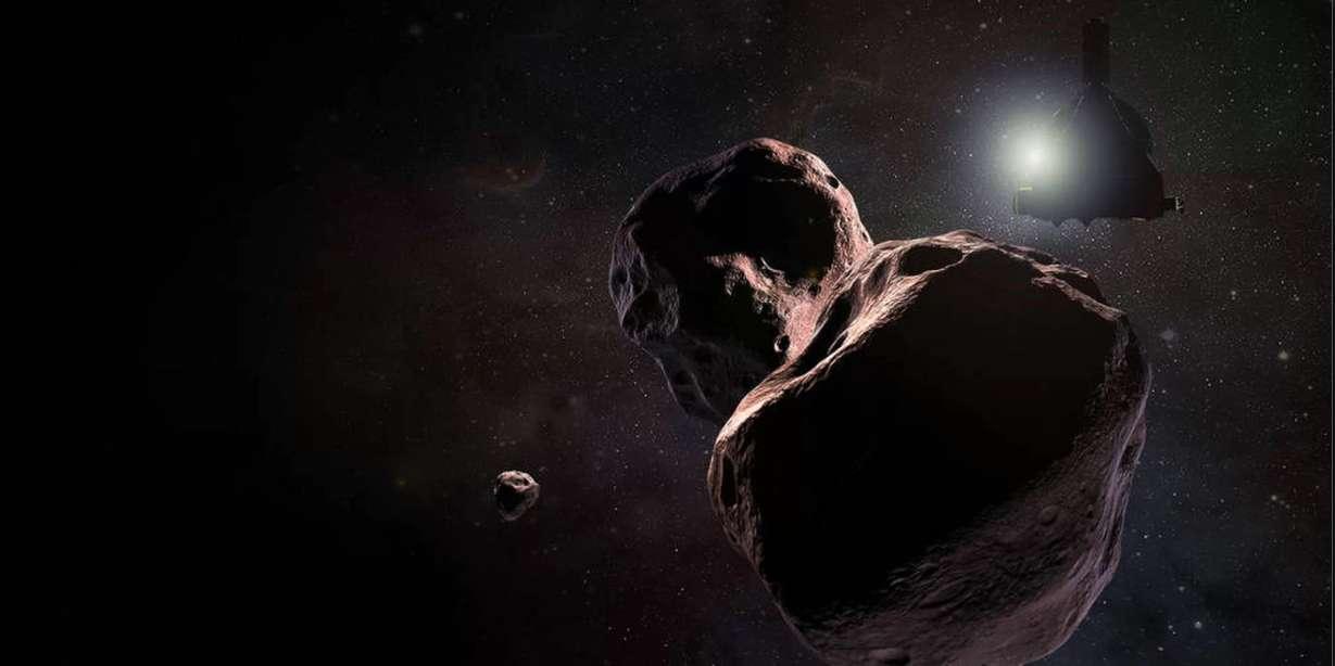 La lumière de l'astéroïde Ultima Thulé ne correspond pas à sa forme irrégulière. Un mystère que la sonde New Horizons vient de résoudre à l'occasion d'un survol historique effectué le 1er janvier 2019. © Steve Gribben/Nasa/JHUAPL/SwRl
