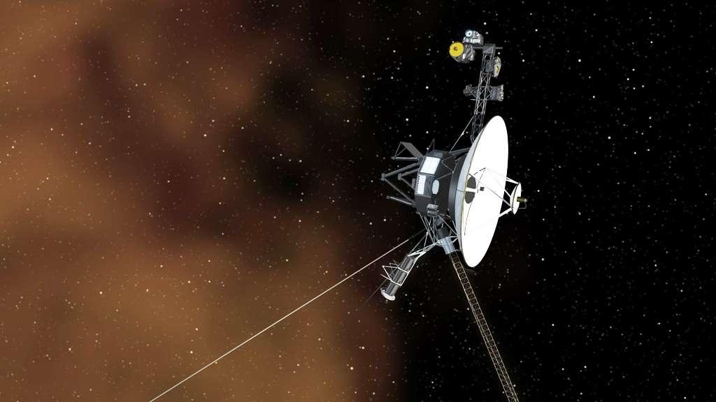 Une vue d'artiste de la sonde Voyager 1 sur le point de pénétrer dans le plasma du milieu interstellaire, que l'on voit sur la gauche représenté sous forme d'une brume orange. En fait, il semble maintenant bien établi que Voyager 1 vogue dans le milieu interstellaire depuis août 2012. © Nasa, JPL-Caltech