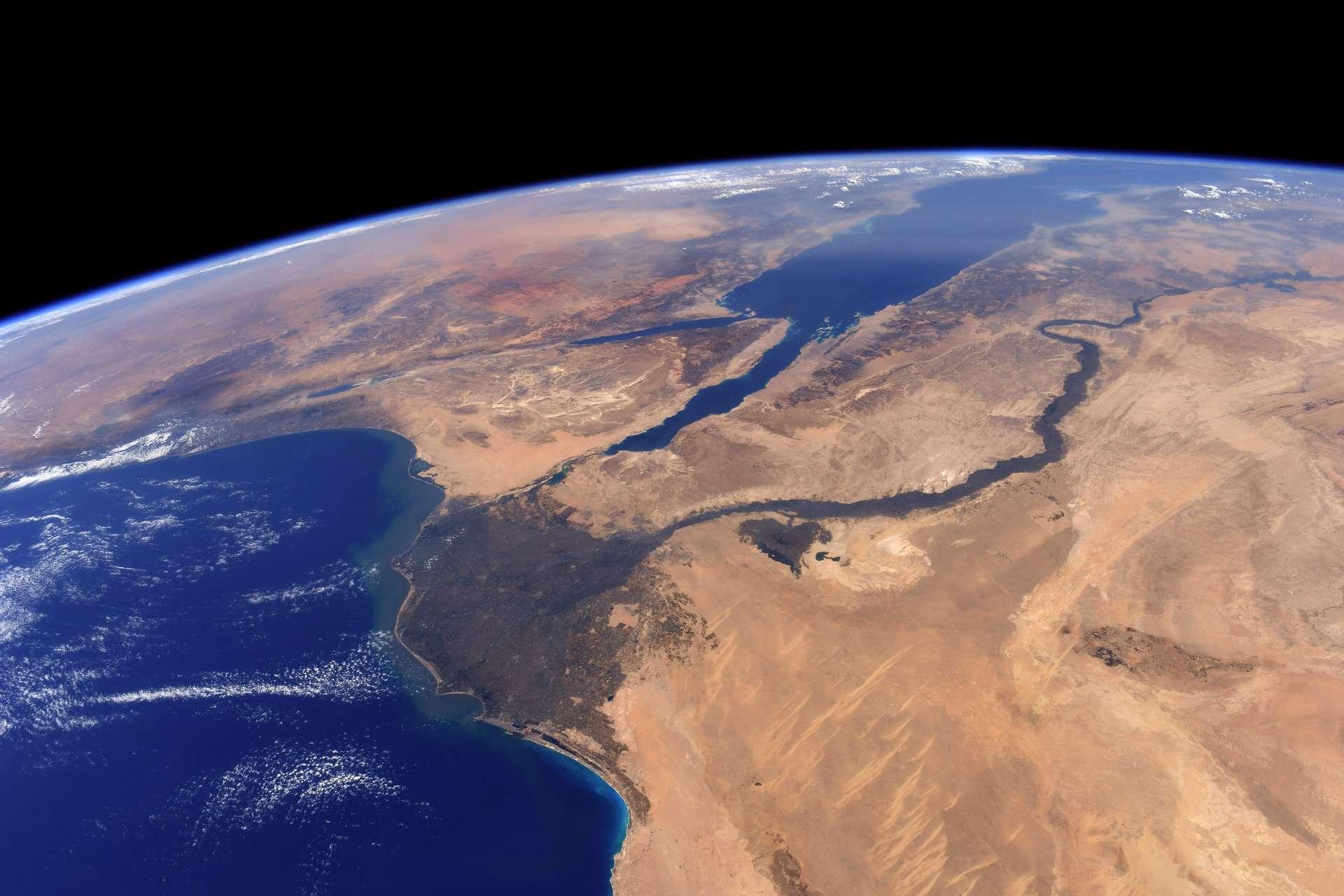 Cliché de l'Oasis du Fayoum et ses alentours, réalisé par Thomas Pesquet, pendant la mission Proxima © ESA/NASA–T. Pesquet