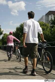 Le sport est bénéfique pour lutter contre l'hypertension artérielle, sous certaines conditions ! © Phovoir