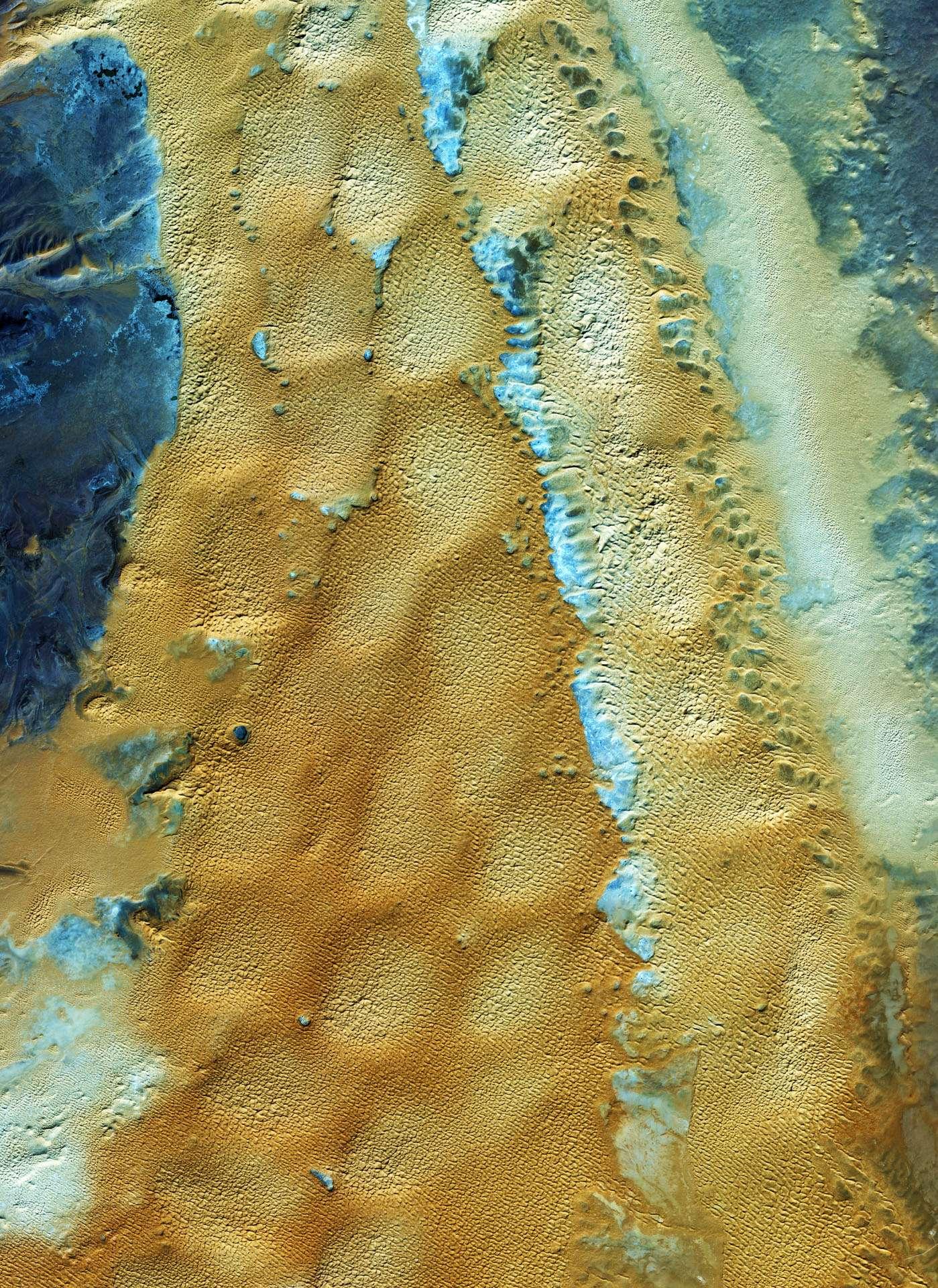Cette image des sables algériens a été prise le 23 avril 2008 par le satellite commercial Ikonos 2 avec une résolution au sol de 4 mètres. © Eusi