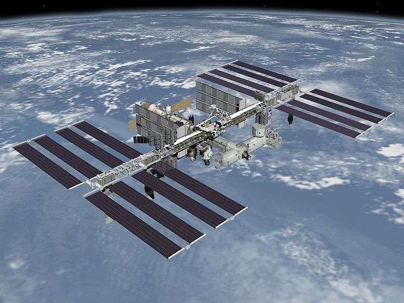 Dans l'ISS, ou Station spatiale internationale, une conversation inédite s'est tenue dans l'espace. Mais ce n'est pas tant le contenu qui étonne, mais plutôt l'un des deux interlocuteurs. Kirobo est en effet un robot, capable de dialoguer avec les humains. © Nasa, DP