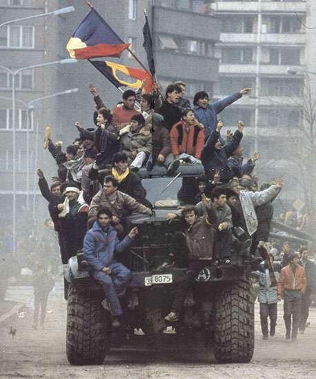 La révolution roumaine de 1989 a été l'un des facteurs de la chute de l'URSS. © Denoel Paris and other photographers, Wikimedia Commons, cc by sa 3.0
