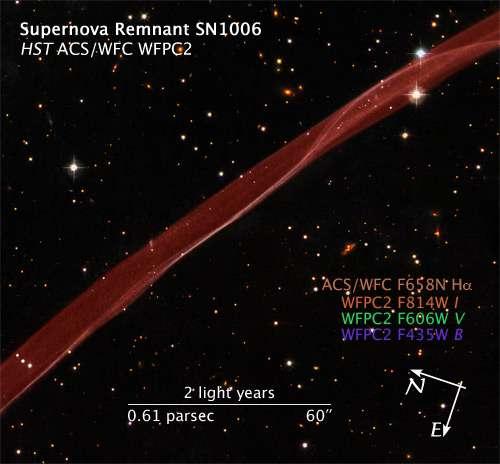 Figure 3. Un zoom sur la bulle de matière des restes de la supernova SN1006. Un filament de gaz chauffé par une onde choc et rayonnant dans le visible apparait. Crédit : Nasa/Esa/Hubble Heritage Team (STScI/Aura)
