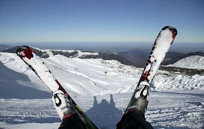 Avant de vous lancer en miniskis, sachez limiter les risques, ce sport de glisse comporte quelques spécificités. © Phovoir