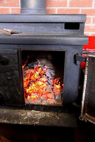 Poêle à bois servant au chauffage d'une habitation. © BevKnits CC by-nc-nd 2.0