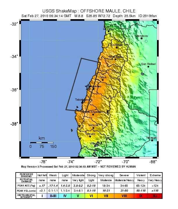 Carte de la répartition de la magnitude des secousses (de 1 à +10, en bas en chiffres romains) au Chili pour le séisme du 27 février 2010. L'intensité augmente du bleu au rouge. L'activité sismique résulte de la subduction de la plaque lithosphérique Nazca sous l'Amérique du Sud. L'épicentre du séisme est marqué par l'étoile noire. © U.S. Geological Survey
