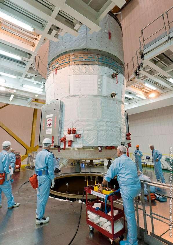 Construit par Astrium, à la tête d'un consortium d'industrie européenne, l'ATV-4 sera lancé le 5 juin avec une charge utile de sept tonnes pour l'équipage de l'ISS. © Esa, Cnes, Arianespace, service optique du CSG