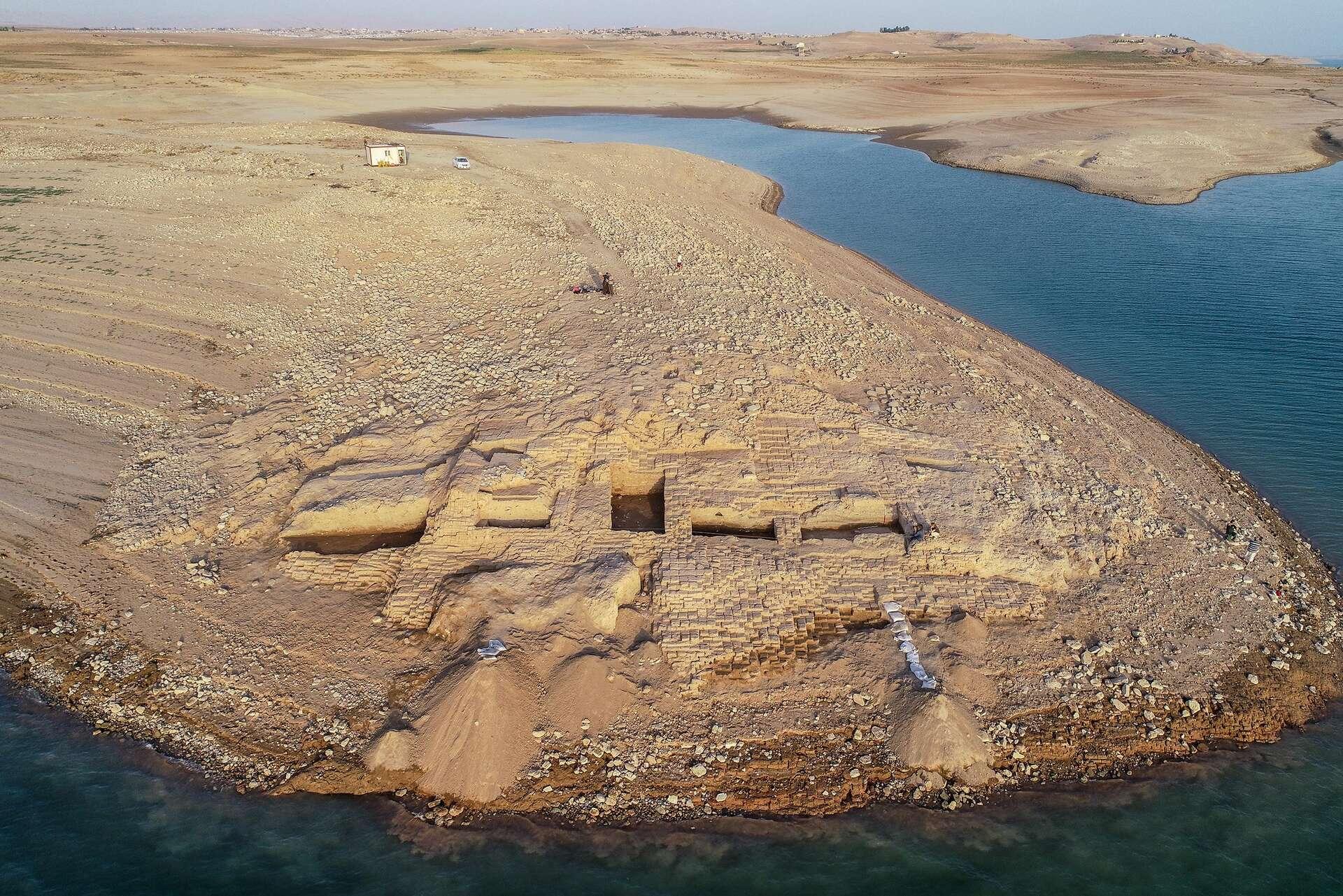 Une vue aérienne de Kemune, un ancien palace de l'empire Mittani sur les rives du Tigre en Irak. © Université de Tübingen, eScience Center, Kurdistan Archaeology Organization