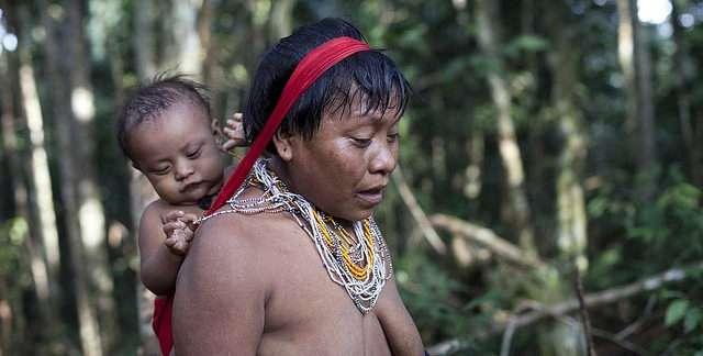 Les Yanomami n'ont jamais utilisé d'antibiotiques. Pourtant, les membres de cette tribu présentent tout de même des gènes de résistance. © Sam valadi, Flickr, CC by 2.0