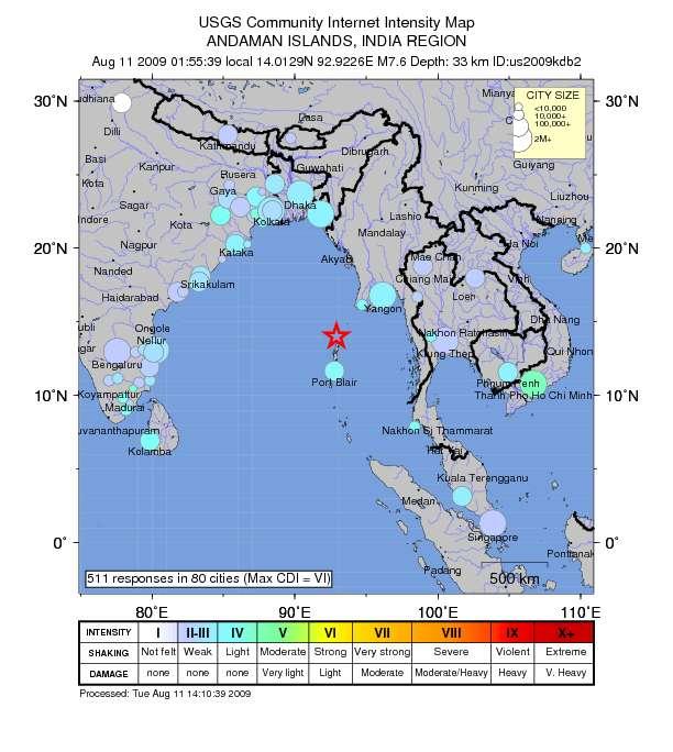 Sur cette carte de l'USGS les cercles donnent une estimation de la taille des villes en nombre d'habitant et la couleur donne une celle de l'intensité des secousses et des dégâts subies. L'étoile rouge est l'épicentre du séisme. Crédit : USGS.
