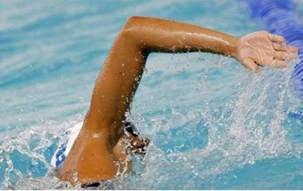 Quelques conseils pour améliorer la pratique de la natation et éviter les idées fausses. © Phovoir
