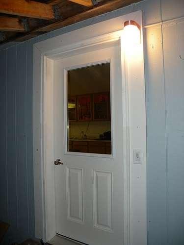 Le bloc-porte inclut l'huisserie, la porte et les ferrures. © Zieak, Flickr, CC BY 2.0