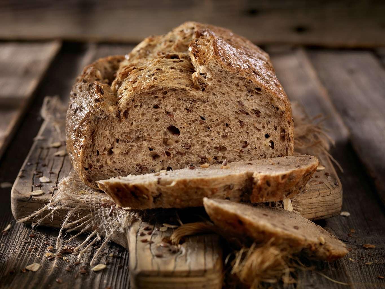 D'après 60 Millions de consommateurs, les pains contiennent toute une gamme de substances indésirables : des résidus de pesticides, des mycotoxines ou encore des additifs. © Lauri Patterson / Istock.com