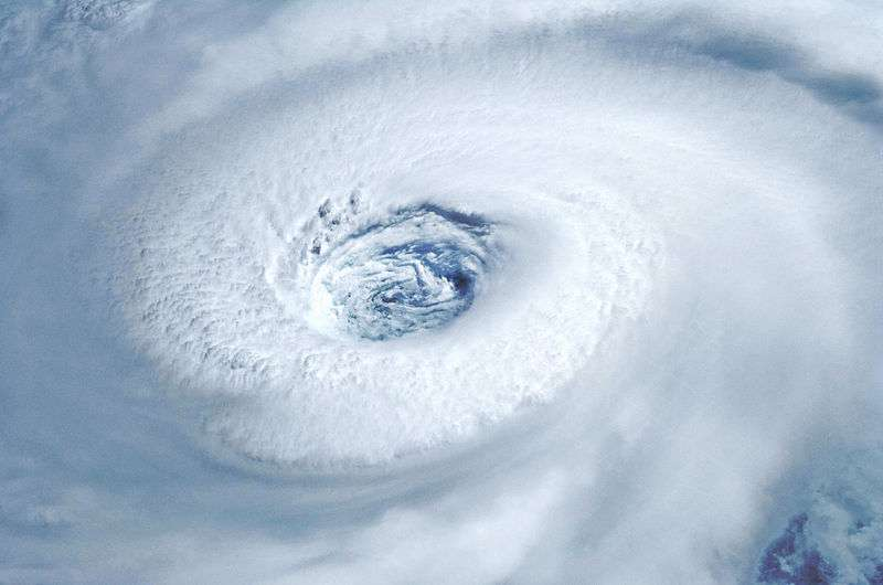 Les ouragans sont des cyclones tropicaux situés dans l'Atlantique nord. C'est le cas de l'ouragan Nadine mais aussi de l'ouragan Igor, survenu en septembre 2010 et photographié ici depuis la Station spatiale internationale (ISS). © Nasa