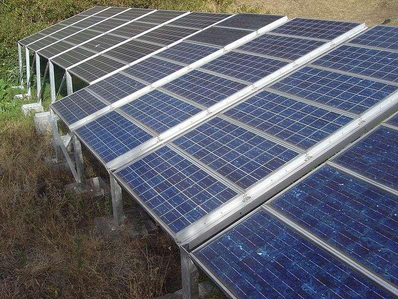En France, il faudrait 5.000 km2 de panneaux solaires photovoltaïques pour assurer la consommation électrique nationale. © David Monniaux, Wikipedia commons
