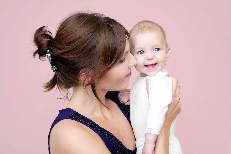 Les femmes ayant au moins un enfant possèdent un risque de mortalité moins élevé que celles qui n'en ont pas eu. © oksankash, shutterstock
