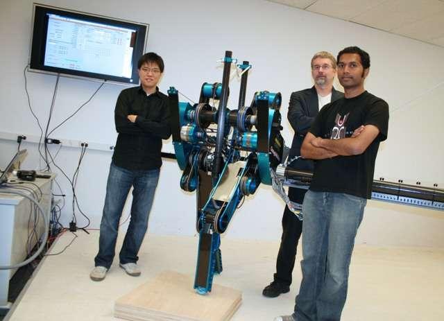 Mabel et Jessy Grizzle (au centre) avec des membres du Control Systems Lab. © Catharine June