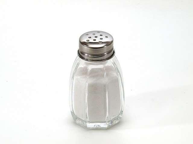 Le sel de table, ou chlorure de sodium, est l'un des composés les plus célèbres du sodium. À consommer avec modération... © Dubravko Soric, Flickr, CC by 2.0
