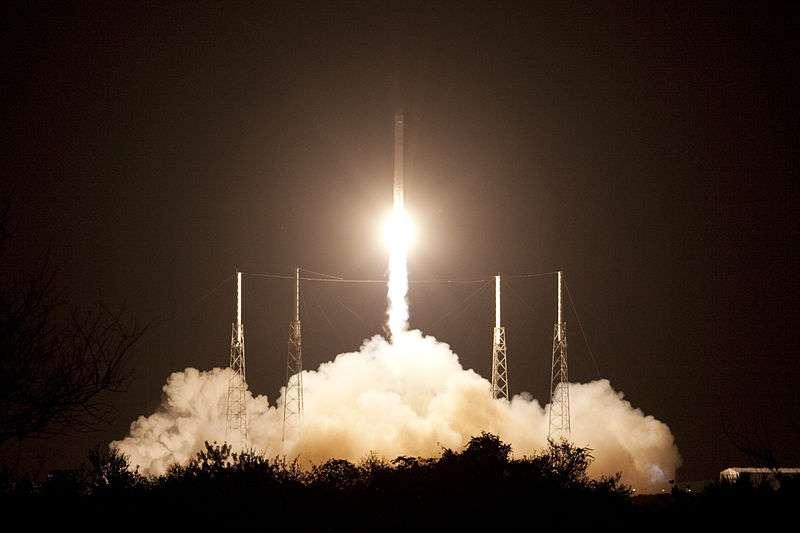 C'est à bord d'une fusée Falcon 9 comme celle-ci que SpaceX a mis sur orbite un nouveau satellite depuis Cap Canaveral, en Floride, ce lundi 6 janvier à 23 h 06 heure française. © Jim Grossmann, Nasa, Wikipédia, DP