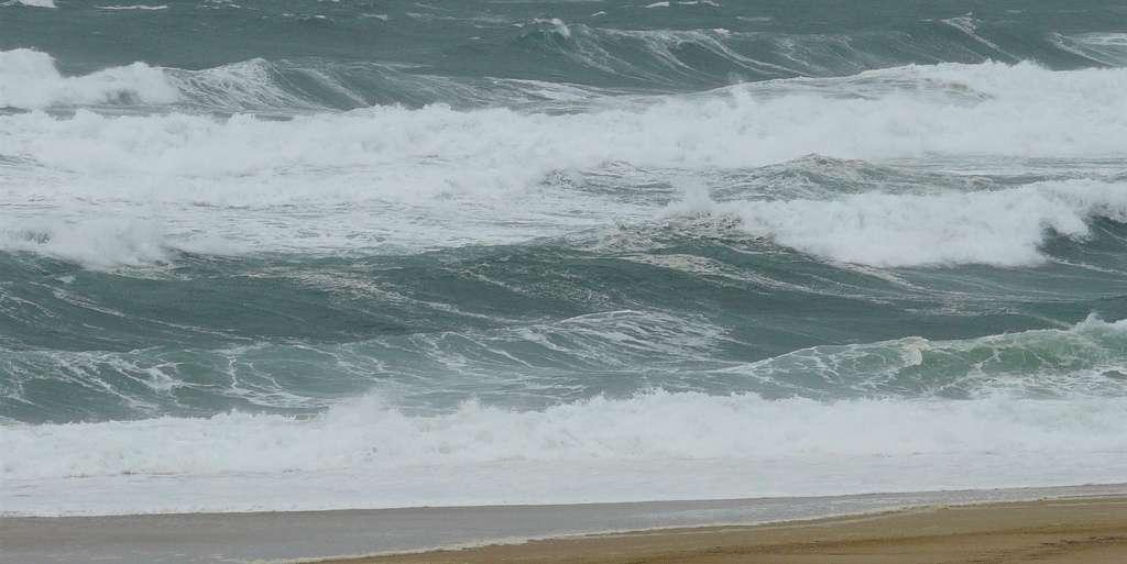 Contrairement à ce que l'on pourrait croire, les vagues les plus fortes s'observent dans les tempêtes et non dans les ouragans. © Titanet, Flickr, cc by nc nd 2.0
