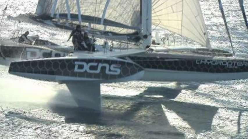 Les essais de l'Hydroptère DCNS au large de La Ciotat