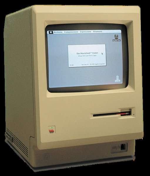 Premier d'une lignée, le Macintosh d'Apple a apporté une série d'innovations devenues banales, comme l'interface graphique. On voit ici le premier modèle, avec 128 Ko de mémoire vive et un lecteur de disquettes de 3,5 pouces... qu'Apple sera le premier à abandonner en 1998 sur son nouvel iMac. © Grm wnr, cc by sa 2.5