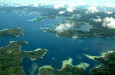 Les îles Salomon sont constituées d'une douzaine d'îles principales et de plus de 990 petites îles. L'archipel se situe dans le sud-ouest de l'océan Pacifique et est exactement positionné sur la faille qui sépare la plaque australienne de la plaque pacifique. La tectonique des plaques est très dynamique, et mercredi 6 février, c'est un séisme de magnitude 8 qui a frappé l'archipel. © Jim Lounsbury