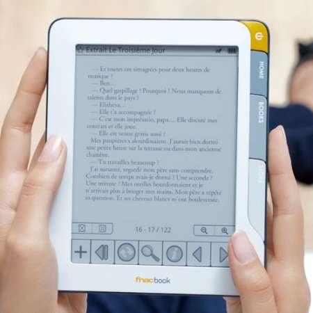 Le FnacBook, un appareil pour acheter des livres numérisés à la Fnac. © Fnac