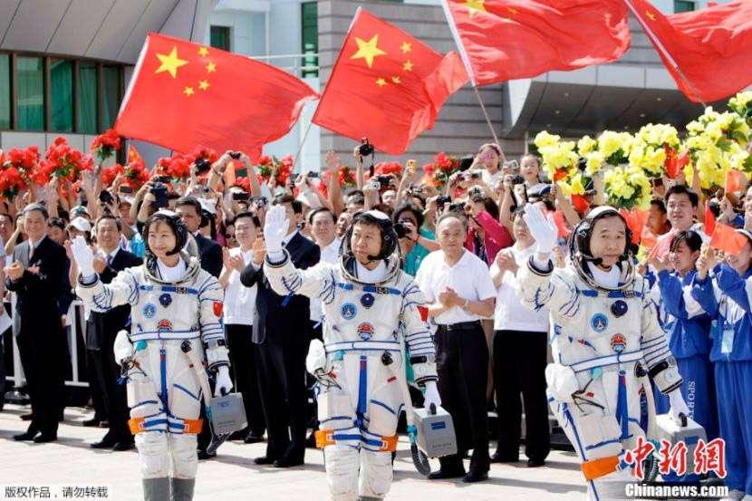 À la fin de cette décennie, des astronautes européens pourraient bien voler à bord de capsules chinoises Shenzhou avec comme destination probable des modules chinois en orbite. © CNSA