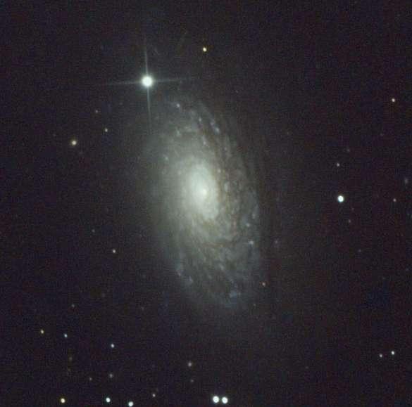 Image de Vincent Becker réalisée avec un appareil réflex numérique placé derrière un télescope de 200mm.